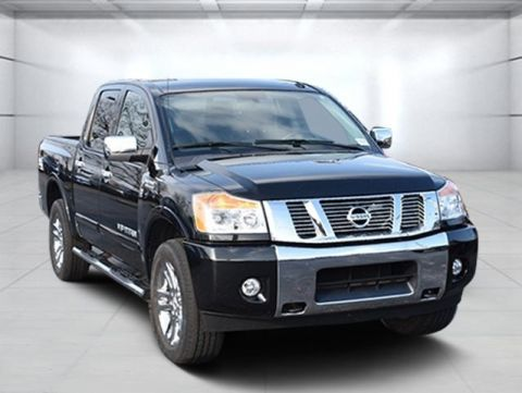 Pre-Owned 2015 Nissan Titan SL